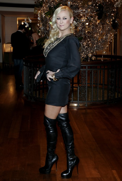Sexy Jenny Elvers wearing black leather overknees stiletto boots